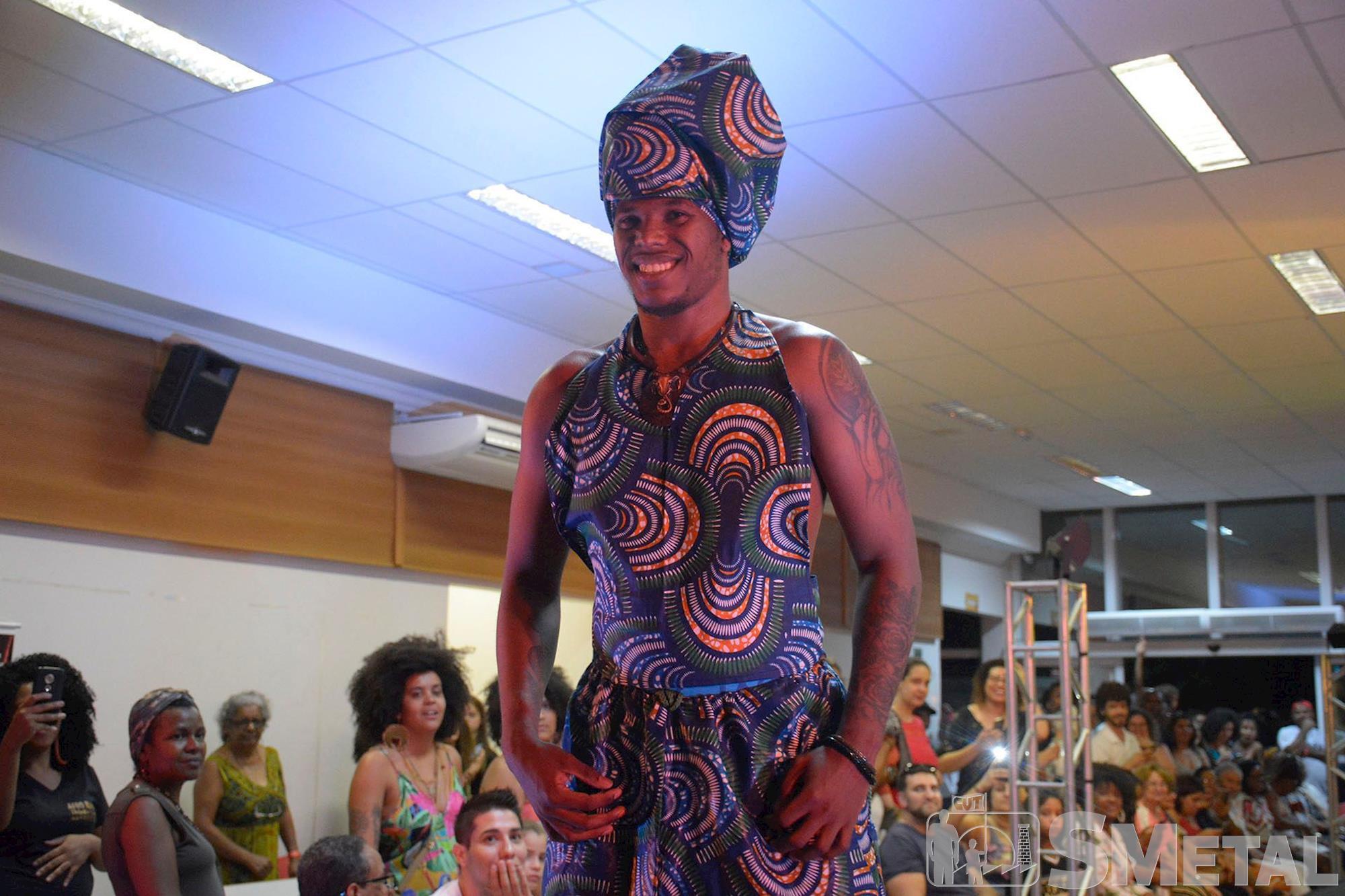 """1ª Mostra de Cultura e Arte Negra """"Ubuntu SMetal"""", mostra,  cultura,  ubuntu,  sorocaba,  negra,  consciência, Foguinho e Cássio Freire / Imprensa SMetal, Consciência Negra:"""