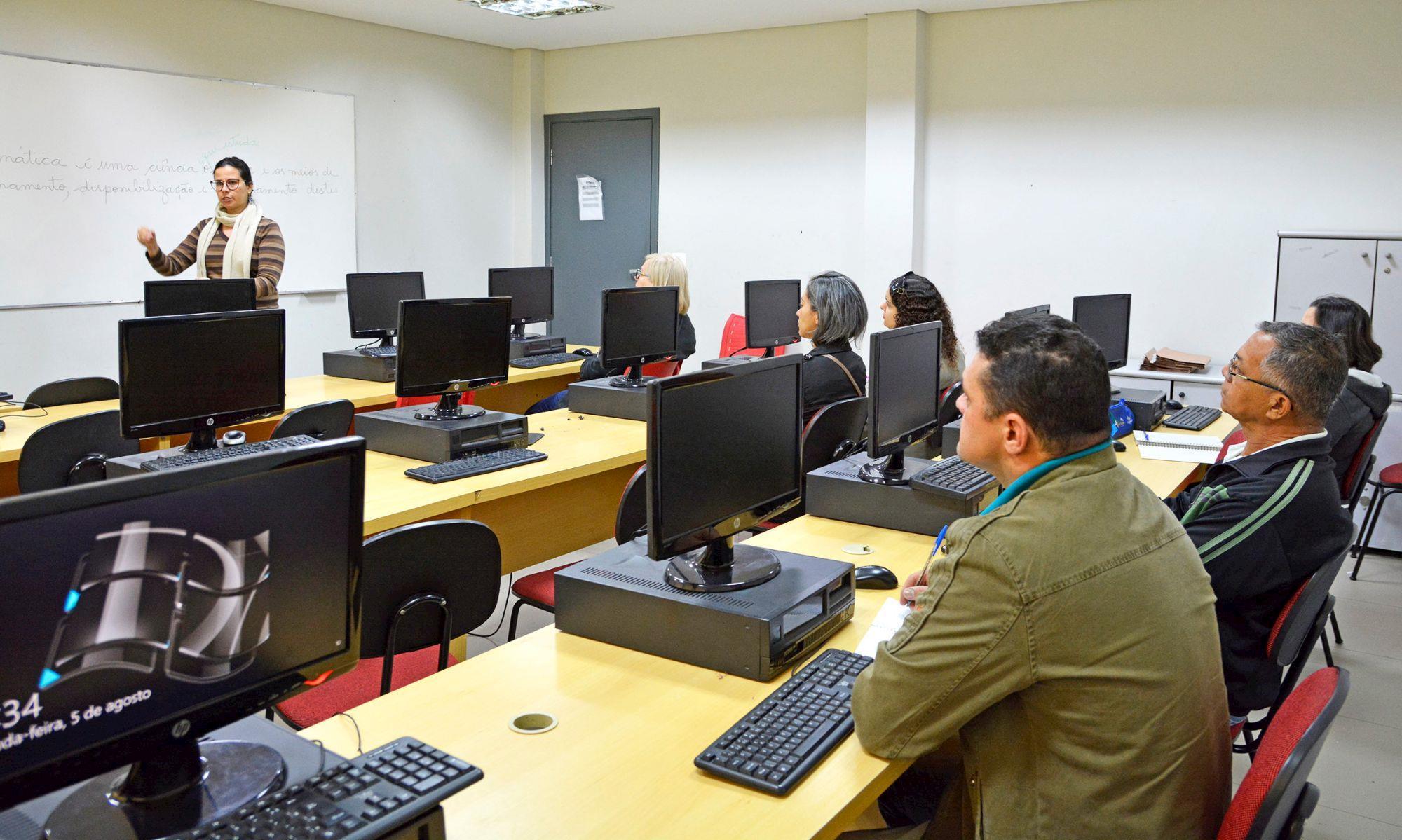 curso, gratuito, smetal, rise, informática,, Foguinho/Imprensa SMetal