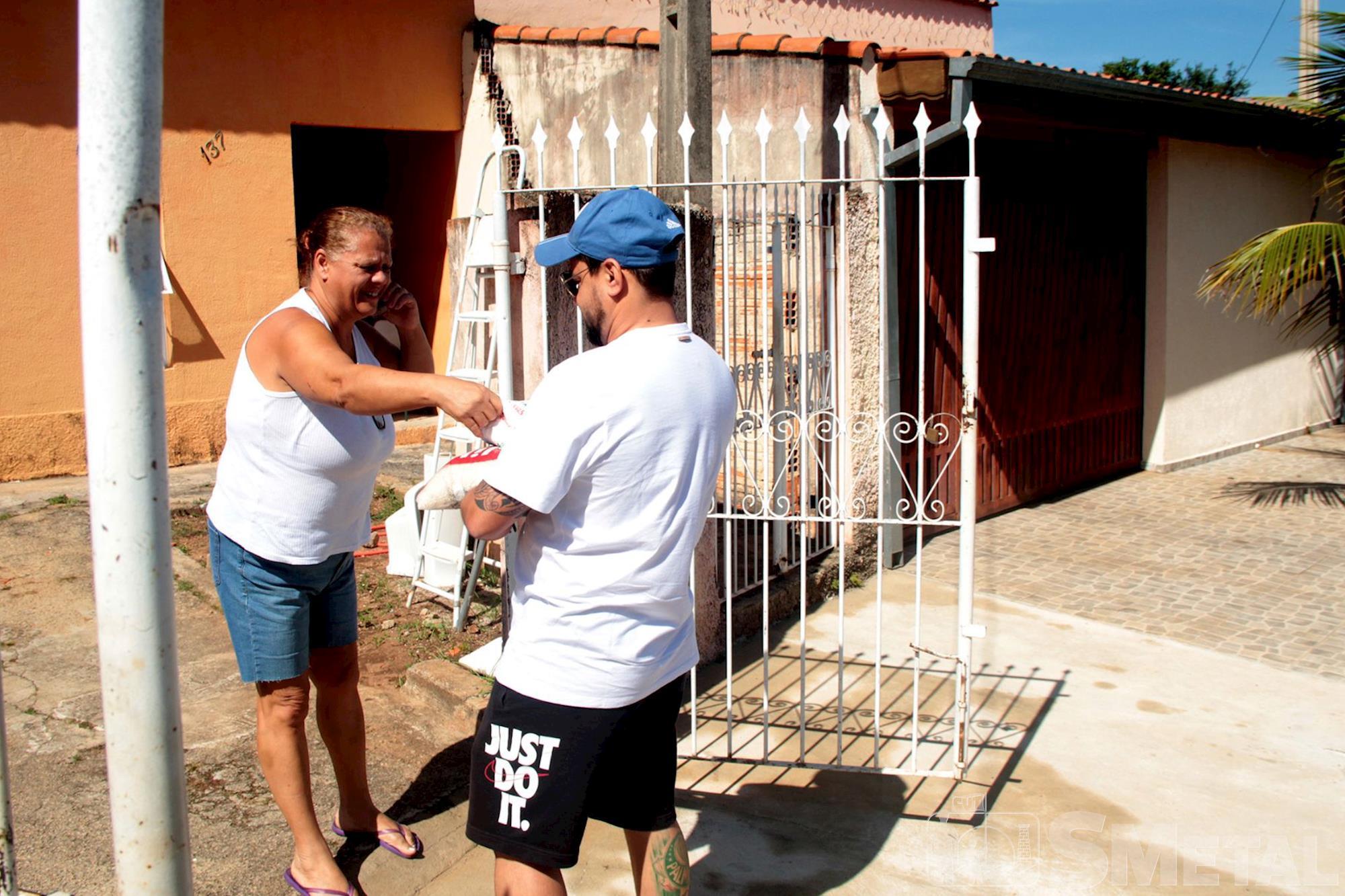 Jônatas Rosa / Imprensa SMetal , Mutirão no Éden arrecada mais de meia tonelada de alimentos