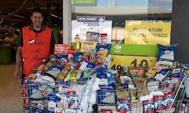 Natal do Bem: 1,5 mil quilos de alimentos são arrecadados no Carrefour