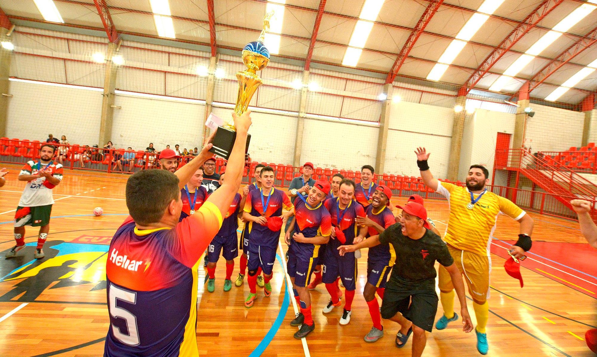Equipe Clarios é bicampeã da Taça Papagaio do SMetal