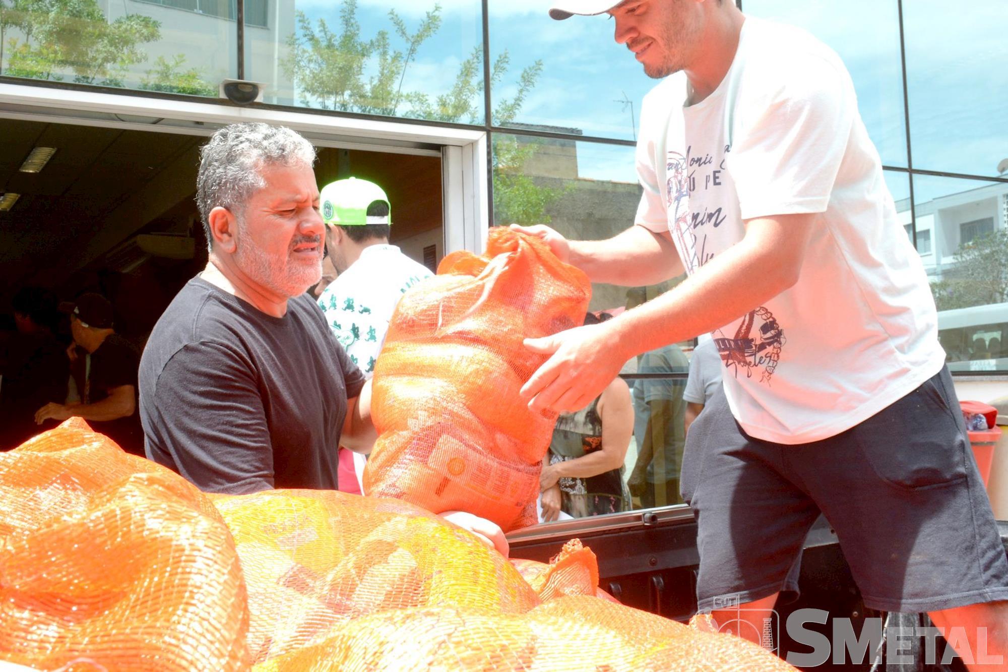 Foguinho/Smetal, Natal Sem Fome distribui 27, 5 toneladas de alimentos a famílias carentes