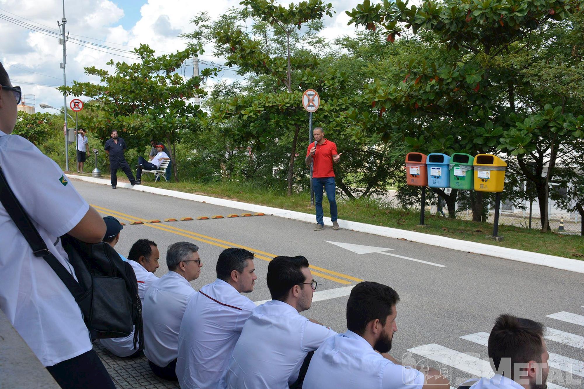 Assembleias na ZF do Brasil (Planta 1 e 2) e Bosch, assembleia,  zf,  bosch,  sorocaba,  smetal,  , Foguinho e Daniela Gaspari/Imprensa SMetal, Desafios para 2020 são debatidos em assembleia na ZF e Bosch