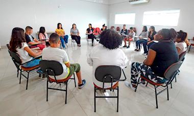 Chefe Aprendiz: 48 jovens começam curso de capacitação em culinária