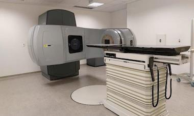 Santa Casa inaugura novo equipamento para tratamento de câncer