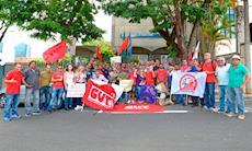 Trabalhadores de Sorocaba protestam contra o desmonte do INSS