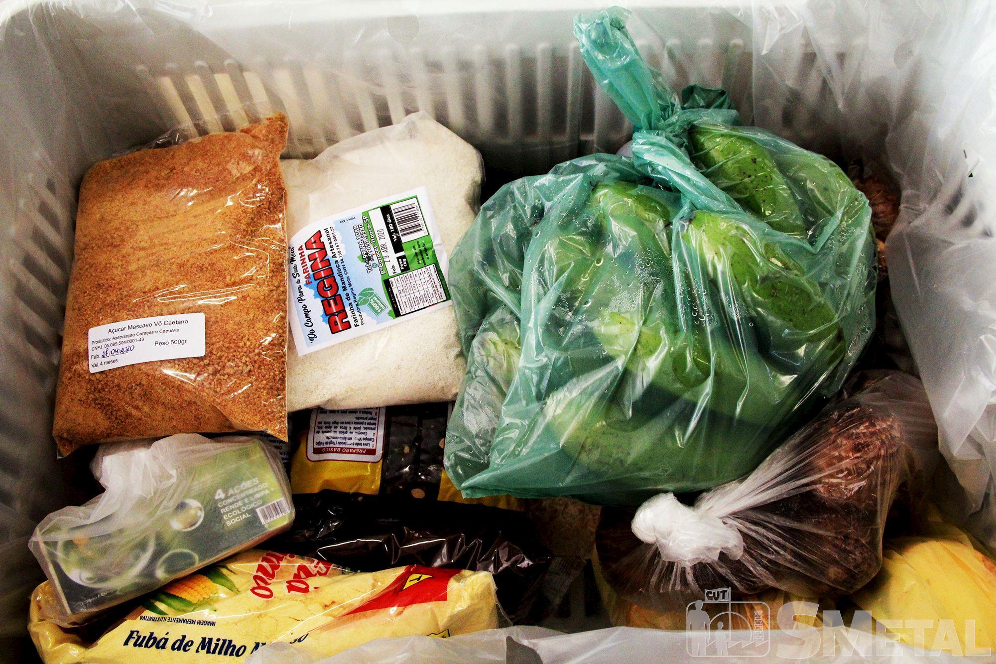 Jônatas Rosa/Imprensa SMetal , Ação distribui 75 toneladas de alimentos para famílias carentes