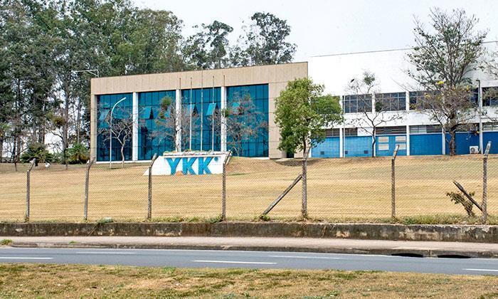 Metalúrgicos da YKK decidem entre propostas de calendários de folgas