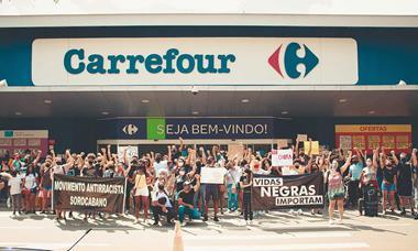 Sorocaba: Grupo Antirracista protesta no Carrefour Sônia Maria