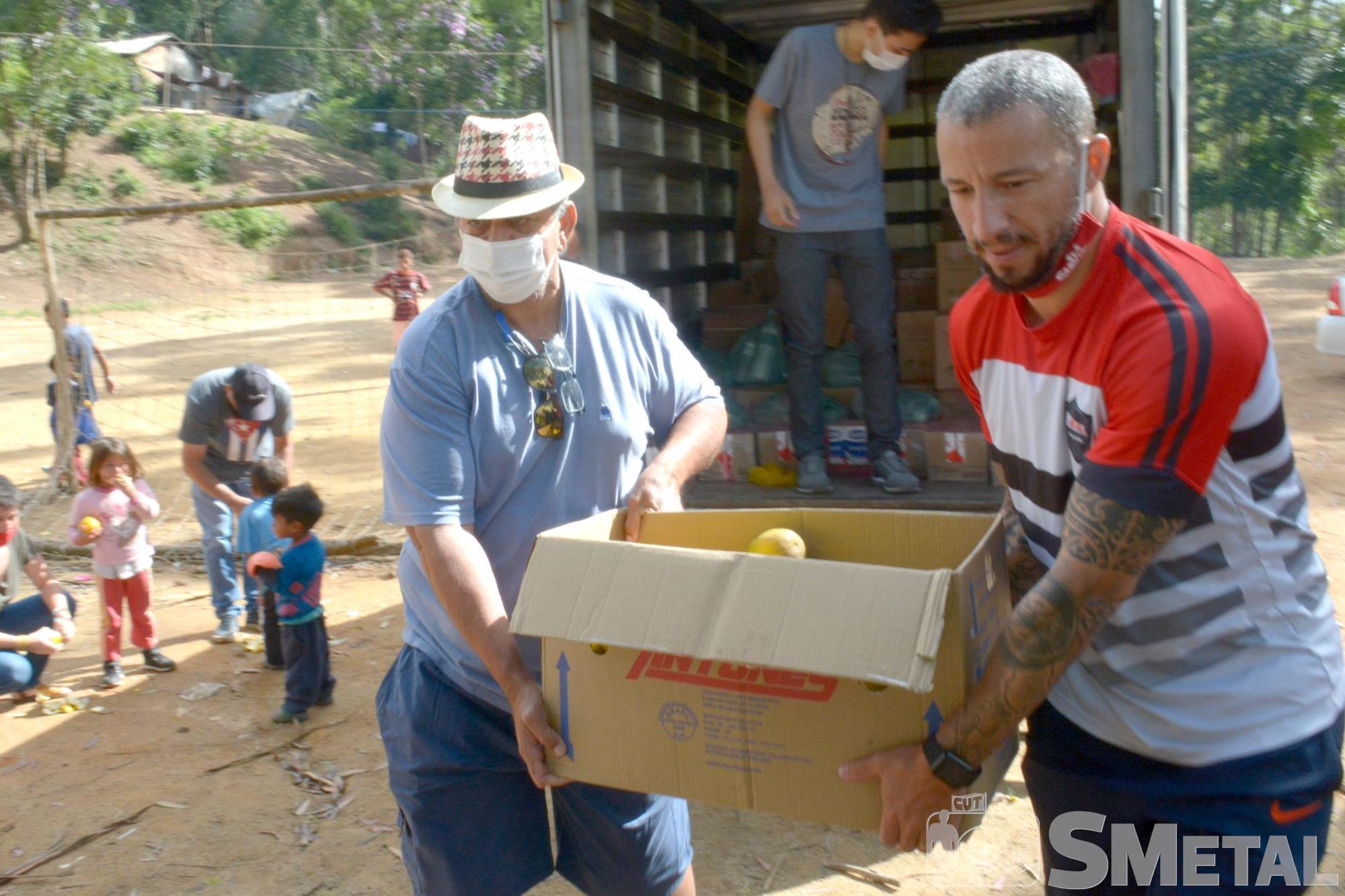 Foguinho/Imprensa SMetal , Tapiraí: famílias indígenas recebem doação da Campanha Natal sem Fome