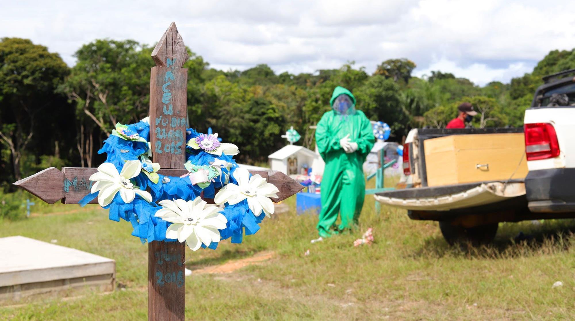 morte, covid, cemitério, ,  Paulo Desana/Dabakuri/Amazônia Real - fotos públicas