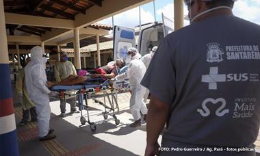 Brasil vive pior fase da pandemia com explosão de casos e mais de 250 mil mortes
