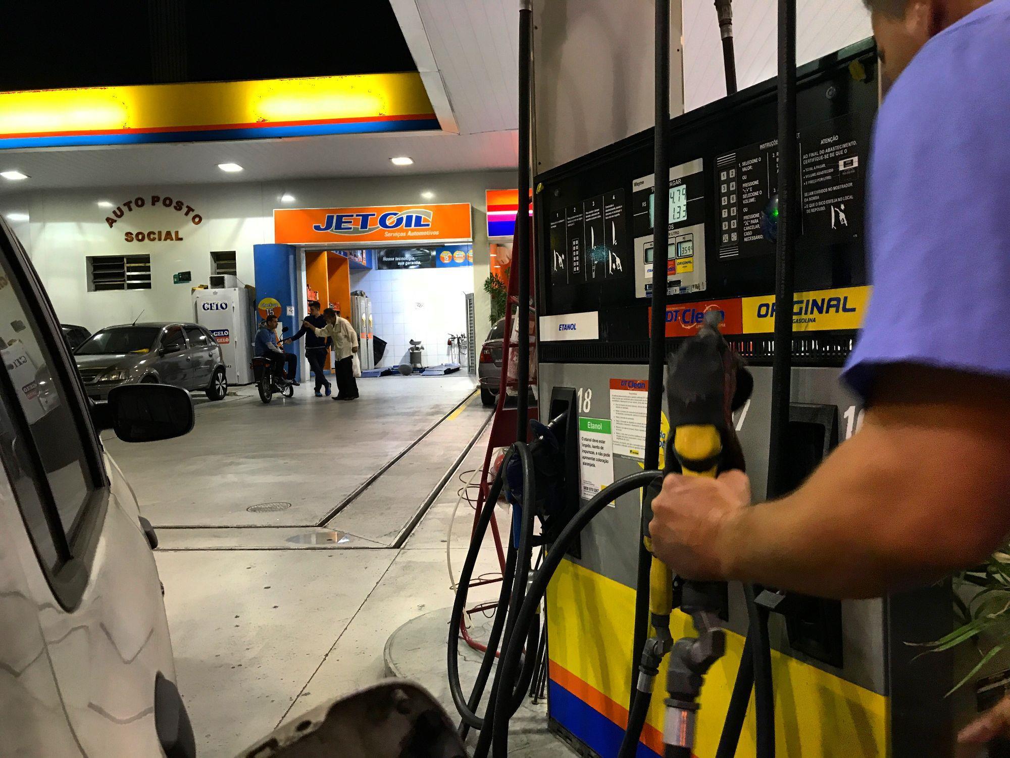 combustivel, postodecombustivel, frentistas, proposta, MP, deputado, sindicato, Roberto Parizotti/Fotos Públicas